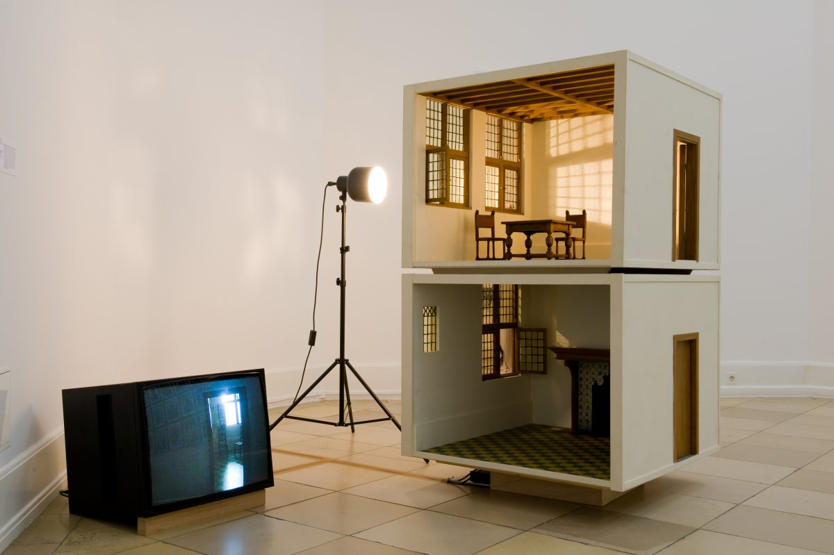 Small Scale Model of a Home (Vermeer Studio and Kitchen), Installationsansicht