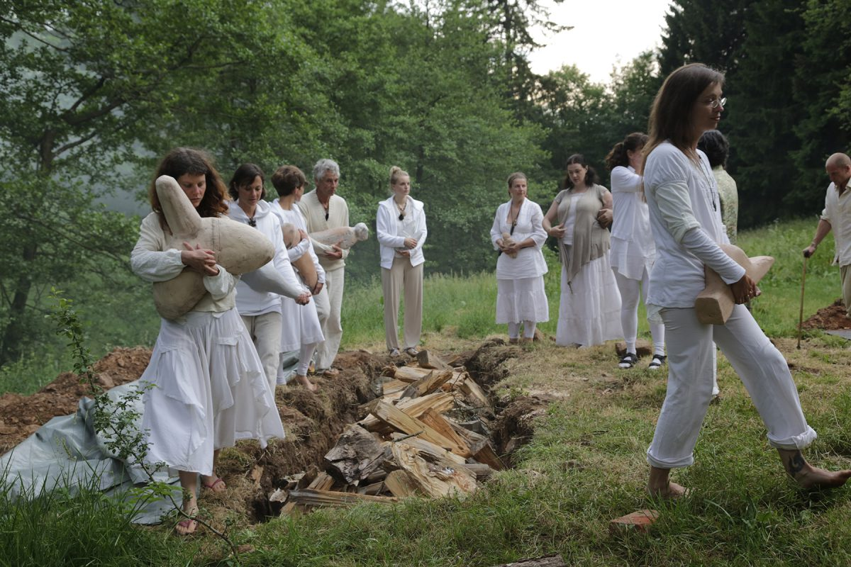 Rituale um die Gruben